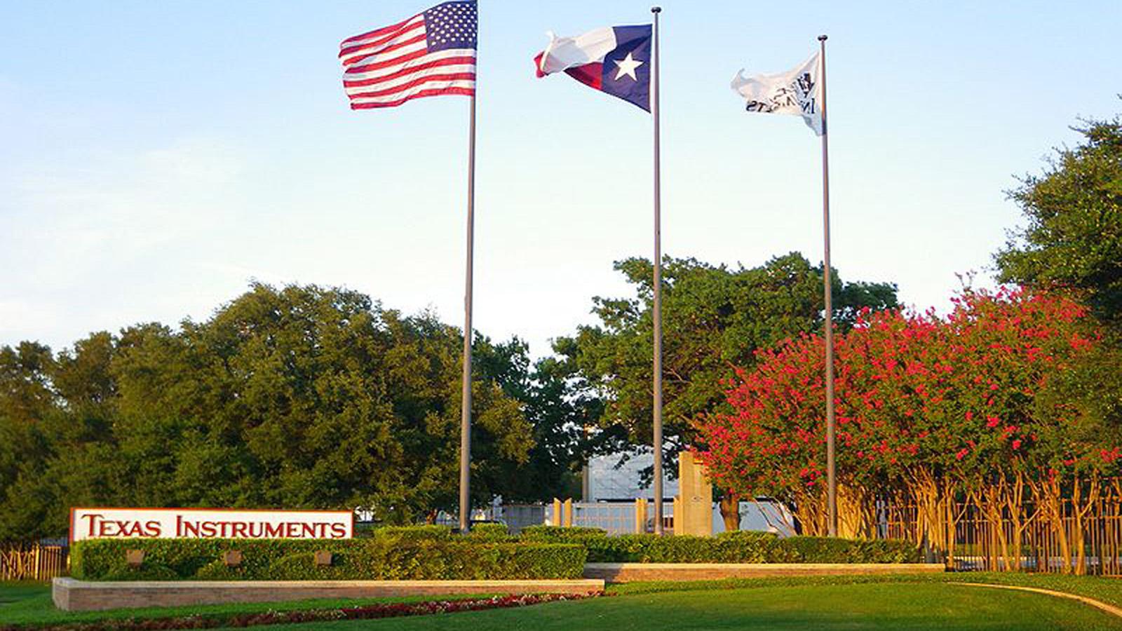 TX_Dallas_TexasInstrumentsHQ_signature_2009_01